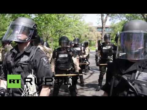 USA: McDonalds calls in the cops to stave off workers' protest