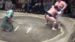 20150524 大相撲夏場所千秋楽 照ノ富士vs碧山 照この時点で3敗キープ.