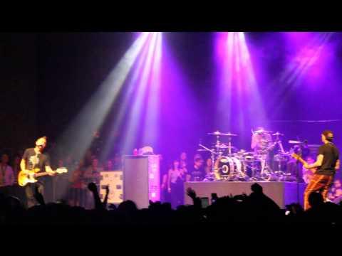 Blink-182 w/Matt Skiba - Up All Night