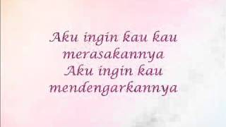 Video AishaHanim   Benar Cinta with Lirik  OST Syurga Nur download MP3, 3GP, MP4, WEBM, AVI, FLV Juli 2018