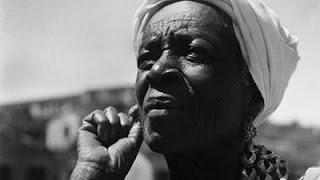 Simpatia da preta velha Vovó Catarina pro amor voltar aos seus pés.