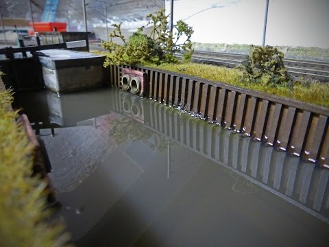 Building A Model Railway – Scenics: Model Water ( Woodland Scenics Deep Pour Water )