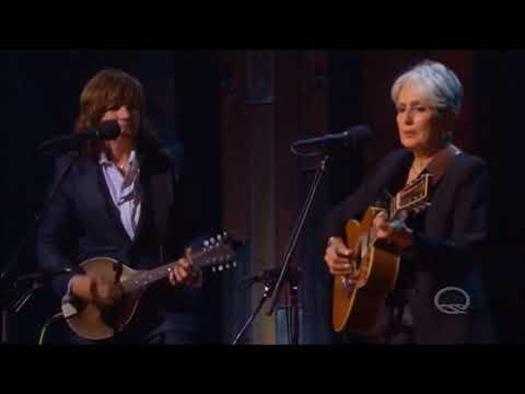 Joan Baez sings