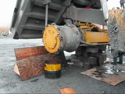 Caterpillar 777B Transmission Drive Repair
