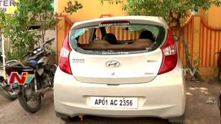 Thugs Destroy Car Glasses in Adilabad || NTV