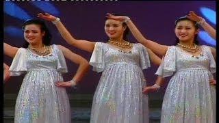 北朝鮮美女集団 喜び組の華麗な舞台15
