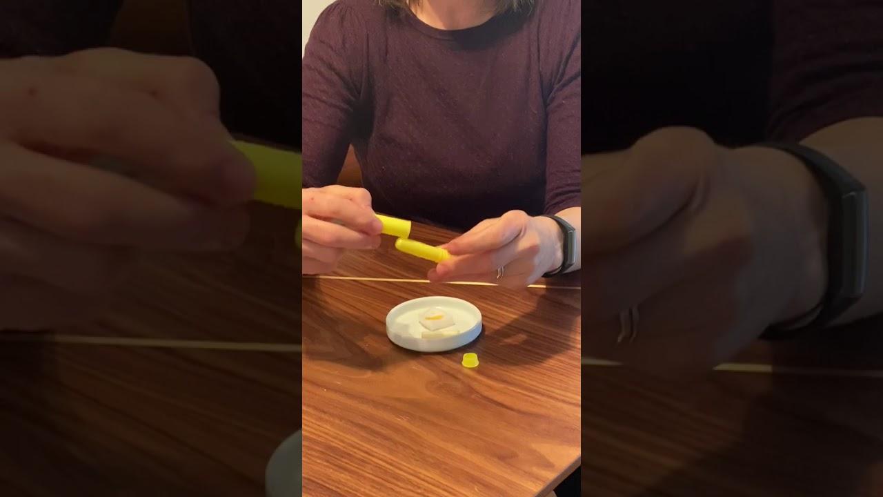 Using & Refilling a Nasal Inhaler