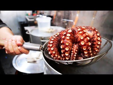 Cibo di strada Giapponese - POLPETTE DI POLPO Osaka stile Takoyaki New York frutti di mare America