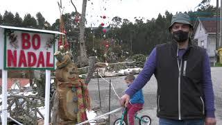 Os veciños da Asociación Pozo Vello danlle cor navideño á rúa