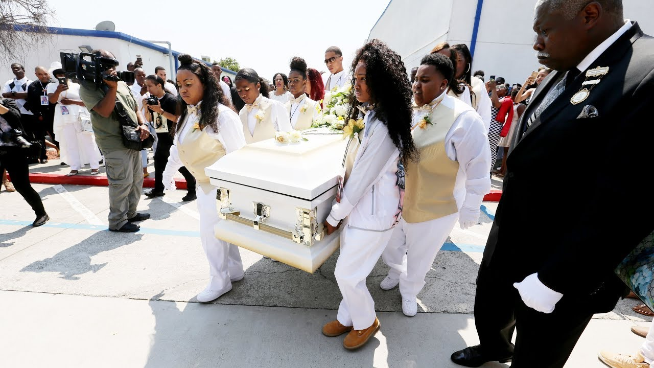 hundreds-mourn-nia-wilson-at-funeral-service