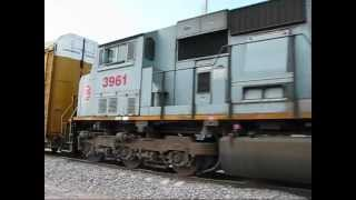 KCSM ES44AC 4657,4656 - KCS SD70ACe 4050 SD70MAC 3961.wmv