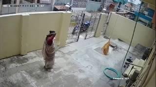 Download Video Indian Women Caught Stealing Saree Inside Saree MP3 3GP MP4