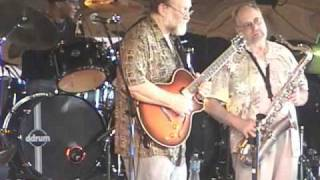 Russell Bizzett and Friends  Bolinfest 2010  John Bartle singing Bill Withers Use Me
