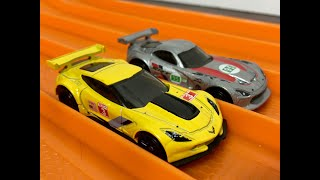RACE: Corvette C7R vs Viper GTSR