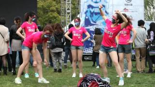 chinese girls dancing at MIDI festival 2012