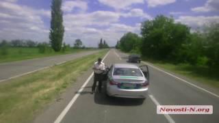 Видео Novosti-N: Останавливают фуру