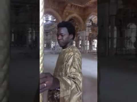 Découvrez l'intéreur de la Grande Mosquée Masalikou Djinan..