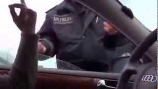 Едет Янукович(Видео, как журналист отказался убрать машину в Киеве, когда должен ехать кортеж