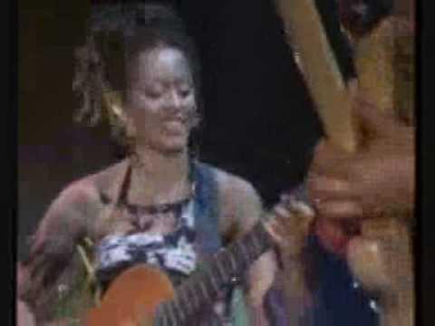 Sara Tavares - Bom Feeling live em Lisboa