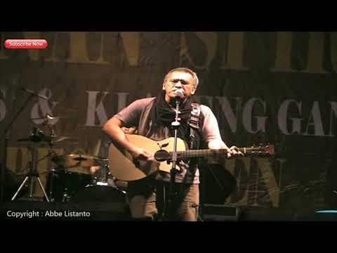 Iwan Fals - Ujung Aspal Pondok Gede (Live Extraligi Cililin)