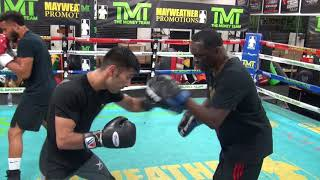 Muhammad Waseem padwork w/ Jeff Mayweather in preparation for world title fight