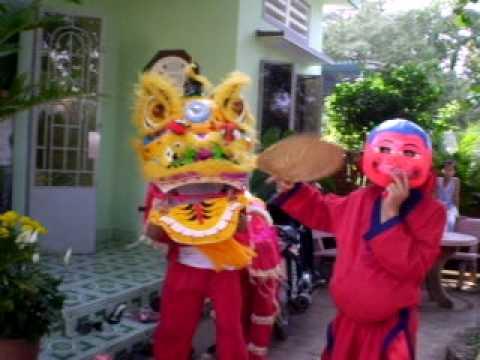 Múa lân - xuân 2008