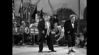 The Three Stooges - Slowly I Turned