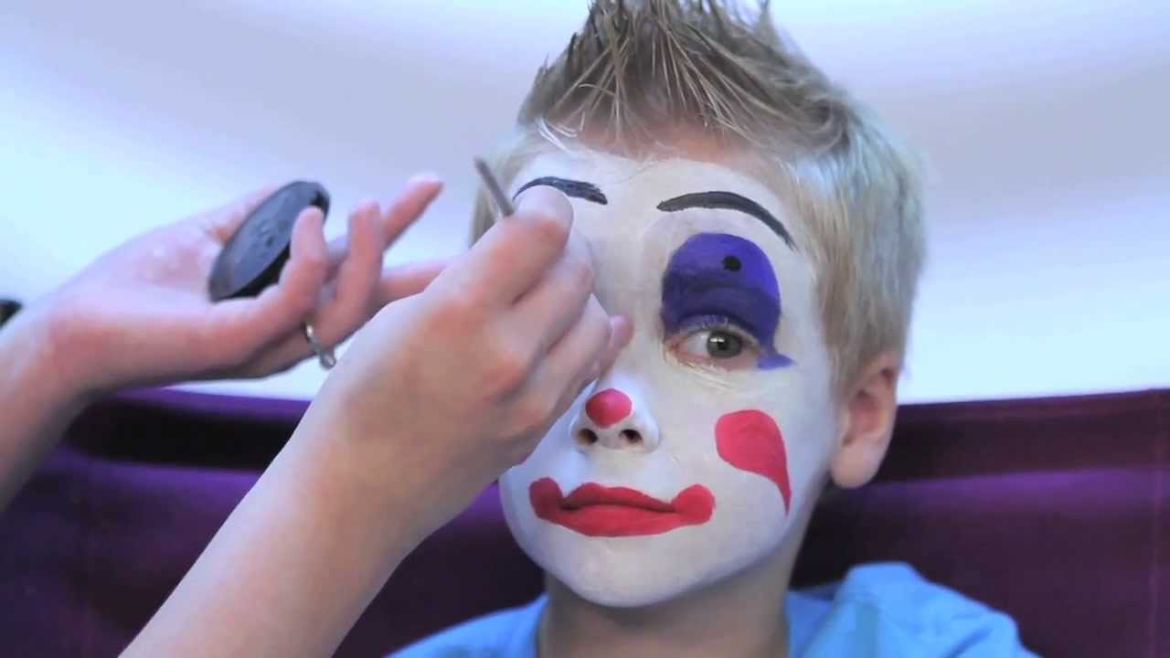 How to facepaint a clown in 3 easy steps rubie 39 s makeup for How to apply face paint