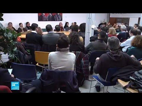 أبناء من الجالية الجزائرية يعقدون ندوة في باريس لمناقشة الشأن الجزائري  - نشر قبل 2 ساعة