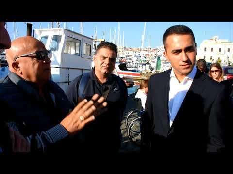 Di Maio e Cancelleri incontrano pescatori al porto a Catania