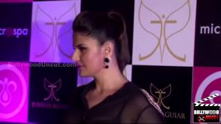 Which Salmans Girl Looks SEXY   Jacqueline Fernandez Or Zarine Khan !