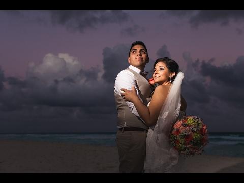 Destination Wedding Fiesta Americana Condesa / Monica & Miguel