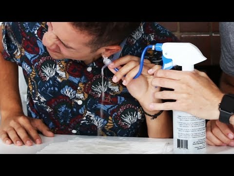 Thumbnail: People Extract Their Own Earwax