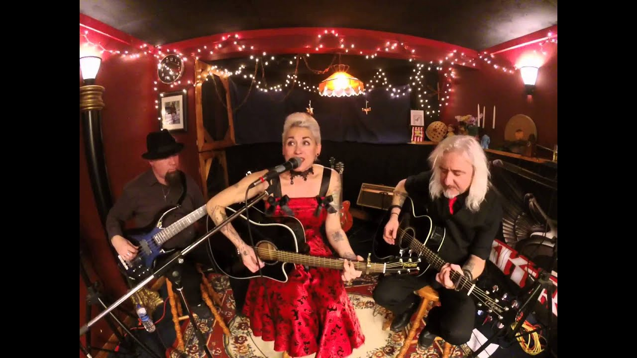 Hummingbird Dragonfly - I'll be there Christmas Eve (Cover Ennis Sisters) - YouTube