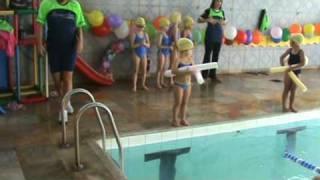 Robertinha no campeonato de natação - 30-05-2009