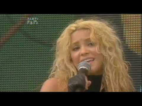 YouTube- Shakira - Underneath your Clothes - Live Party Park 2002.mp4