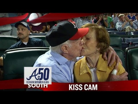 Jimmy Carter gets shown on the kiss cam