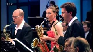 Play Concerto for Saxophone Quartet, for sax quartet & orchestra