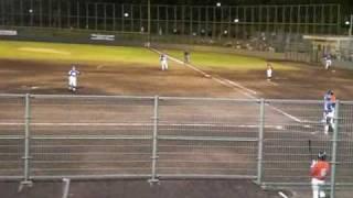 2009年6月12日 9回に登板した吉田えり投手の投球。 先頭打者 9番藤本...