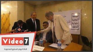 عمرو موسى وصلاح عيسى والشوبكى والسناوى وهيكل فى مكتبة القاهرة لمناقشة قانون الصحافة