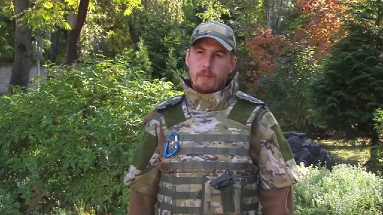 Испытания бронекерамики на бронежилет в Киеве. Выстрелы из СВД .