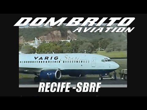 Aviação - Decolagem de dois 737-300 da antiga Varig em Recife.