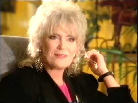 Dusty Springfield - French & Saunders part 1.