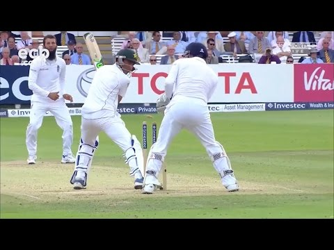 Chris Woakes 11 wickets but Pakistan take healthy lead on day 3