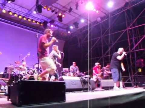"BARACCA SOUND LIVE ""AMALAROMANARIMA"" GUEST A 99 POSSE INNA CANTINA BAND"
