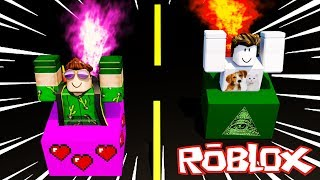 WHO FIRST ARRIVES in the CHALLENGE CARTON in ROBLOX!!