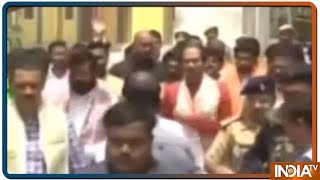 Uddhav Thackeray arrives in Ayodhya along with son Aaditya Thackeray