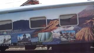 Kereta Api Krakatau + MP3 Cagar Biosfer melewati Proyek Pembangunan Stasiun Bulak Kapal (Bekasi)