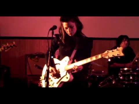 """Amy Gore & Her Valentines """"Hold"""" Live 2011"""
