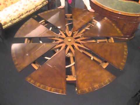 Attrayant Robert Jupe Radial Table